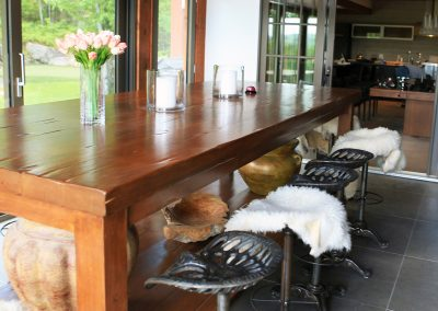 wood table (1)